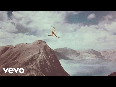 Calle 13 - La Vida (Respira el Momento) (Official Video)