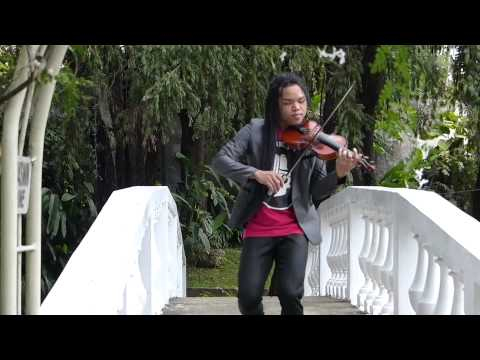 FAMOUS FILIPINO FIDDLER, JULEOUS. CEBU PHILIPPINES...CULTURE, ADVENTURE, EVENTS