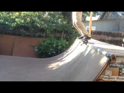 SkateHoueMedia Ramp session with James Kelly, Liam Morgan, William Royce