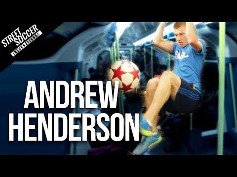 Aksi Freestyler, Messi Pun Dibuat Terbengong-bengong.... Andrew Henderson si pemenang World Freestyle Football Championship 2013 itu telah menyisihkan 15 kontestan dan kemenangannya ini merupakan upayanya mempertahankan gelar dunianya.