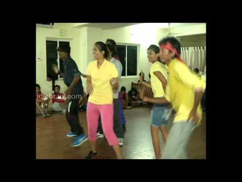 Ester Noronha Dance Rehearsals of Santosham awards