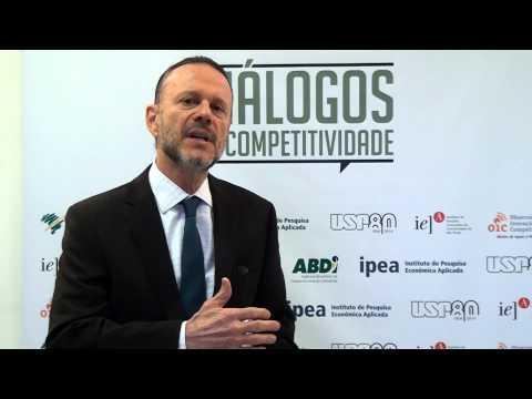 Entrevista com Luciano Coutinho