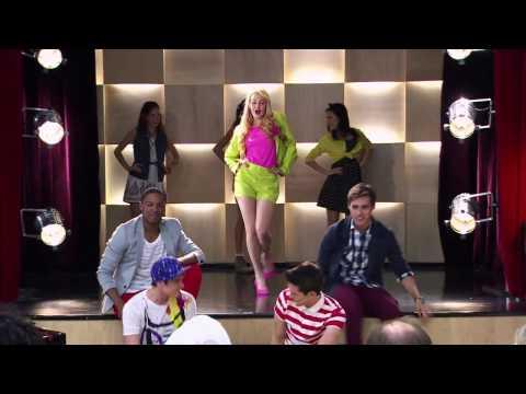 Violetta 2 - Los chicos bailan Juntos Somos Mas (Cap.9)
