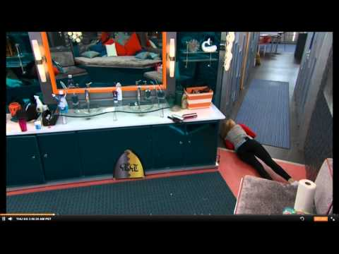 Liz FALLS trying to scare Austin - LIZTIN - HD - FAIL BB17