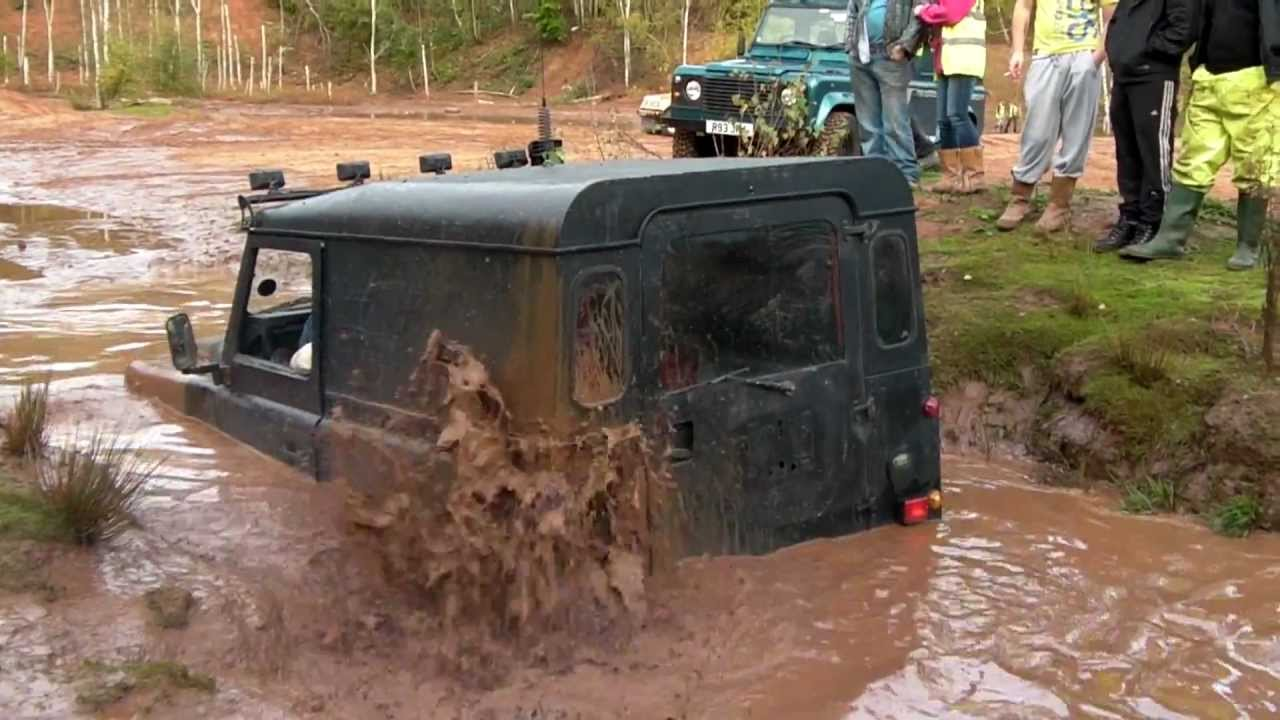 Land Rover Defender Does Well To Get Out Of The Pit At