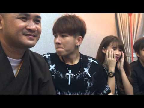 Khởi My & Kelvin Khánh cùng mời ba mẹ trà