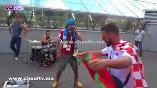 بالفيديو..مغربي خالق السعادة فروسيا مع جميع الجماهير الكروية   |   خارج البلاطو