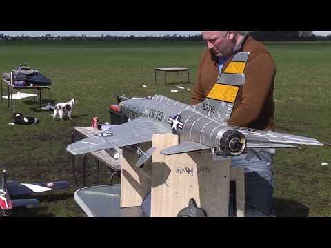 Flyfly F100 super sabre with Lambert Kolibri P20 turbine - first flight and flame out