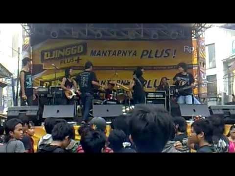 casket mayit feat ateng Lord of ilusion live in tanah abang jakarta 29 april 2012