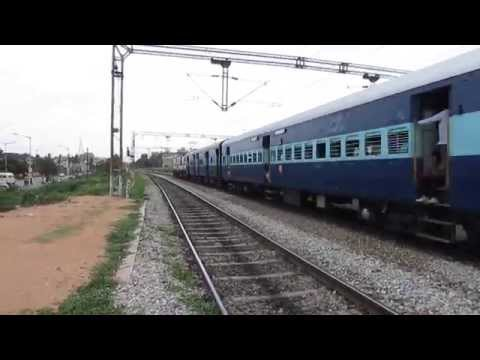 [HD]: Air Conditioned RPM WAP 7 Brindavan Express crossing Howrah Duronto curves past