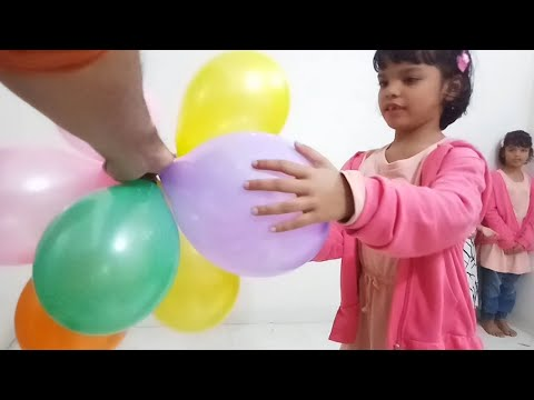 indoor fun with Flower Balloons and learn colors for kids
