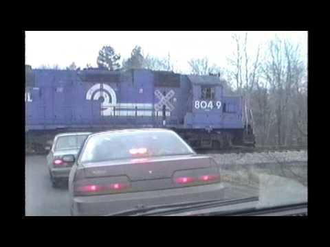 Hình ảnh trong video Guilford/ST Conrail powered e/b at Rockingham