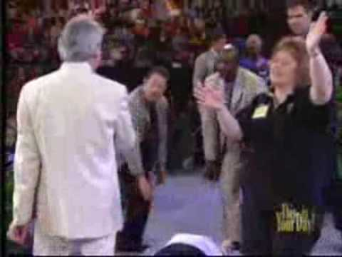 "Benny Hinn sings ""I Will Bless The Lord"""