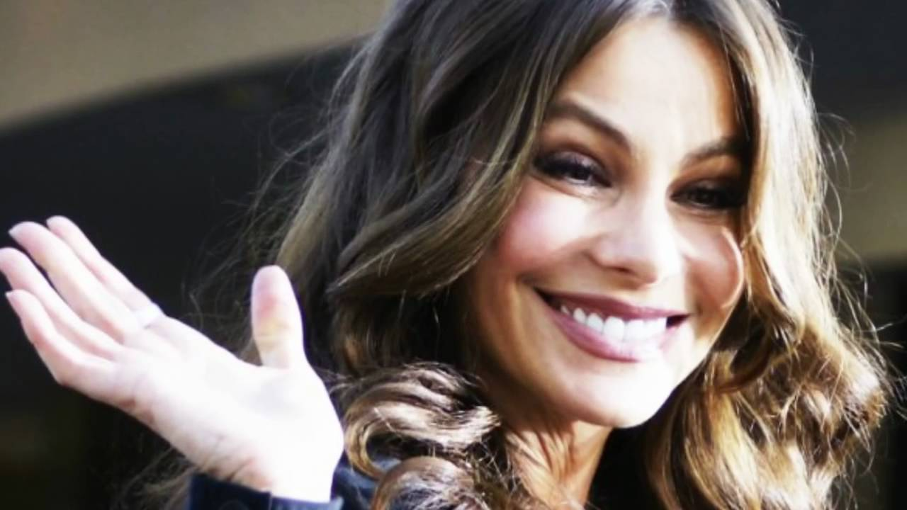 Sofia Vergara Engaged ... Nick Loeb Onion Crunch