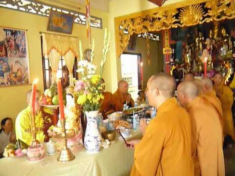 Chua Buu Kim le trai tang cau sieu 2(49ngay cua cu ba VO THI THANH 2012)