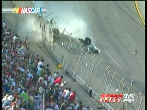 2009 NASCAR talladega, ultimas vueltas con el accidente de Carl Edwards y victoria para Keselowski.