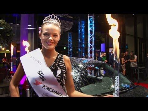Miss Yokohama 2013/2014, Nicole Homola - Miss Schweiz, Dominique Rinderknecht als Jury