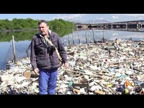 Olympic Training in Rio's Trash-Filled Bay | The New York Times