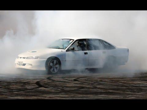Burnout Commodore V6 Power! Motorsport vids