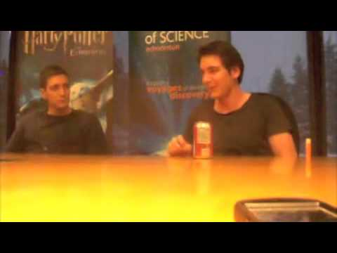 MuggleNet interviews Phelps Twins at Exhibition in Edmonton, Canada