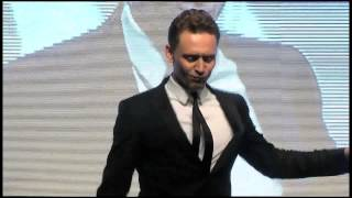 Thor: Un Mundo Oscuro Tom Hiddleston Baila En La