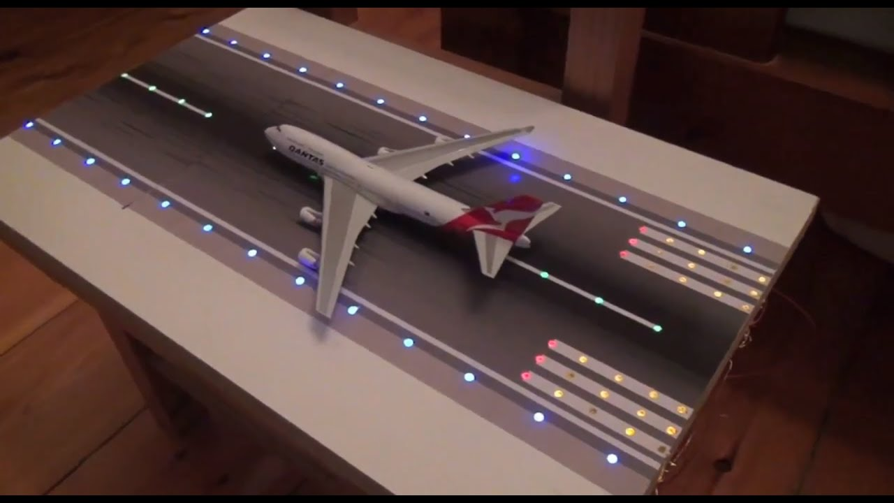 model airport runway lights prototype phoenix and geminijets 1 400 scale youtube. Black Bedroom Furniture Sets. Home Design Ideas
