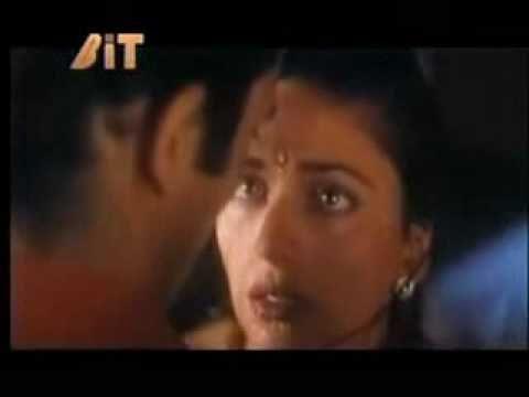 ACTRESS MOVIES: madhuri dixit hot dorp her saree scene