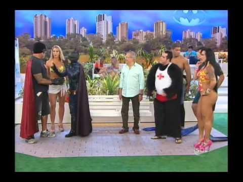 Carlos Alberto recebe a dupla Batman e Robin