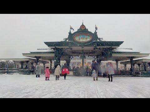 Heavy Snow! at Tokyo Disneyland