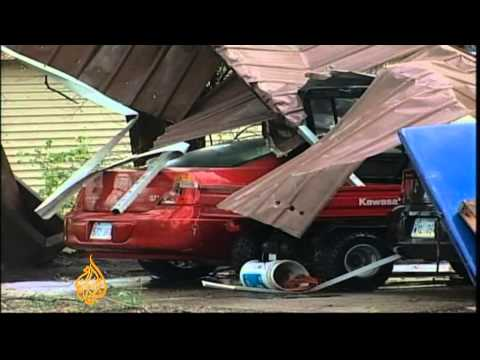 Powerful tornadoes lash US states