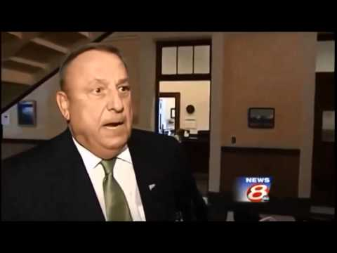 Why Gov. Paul LePage Sucks