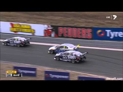 Kelly and Perkins Wreck @ 2014 V8 Supercars Tasmania Race 1
