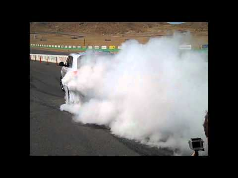 2012 Jeep Grand Cherokee SRT8 HUGE BURNOUT