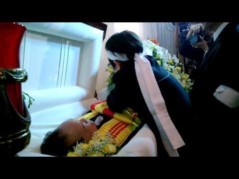 Lễ Trao Cờ tại đám tang nhạc sĩ Việt Dũng ngày 28 tháng 12, 2013 (phần 2)