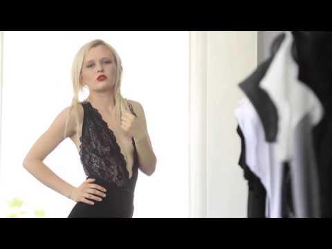 Άννα Πόλεβικ σε … κατάστημα ρούχων