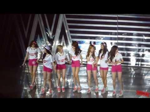 2013.07.20 SNSD - Twinkle+End Girls&Peace World Tour @Taiwan