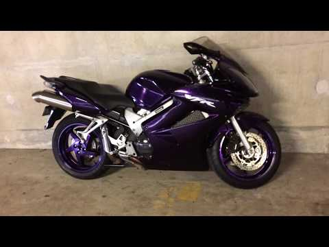 VFR800 2009 meanest exsaust sound...in flake PURPLE! ...too much?