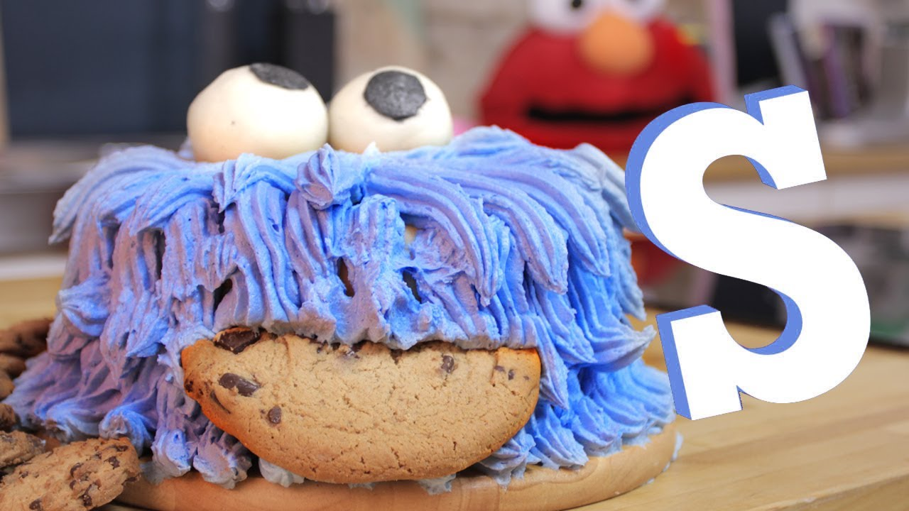 Cookie Monster Cake - YouTube