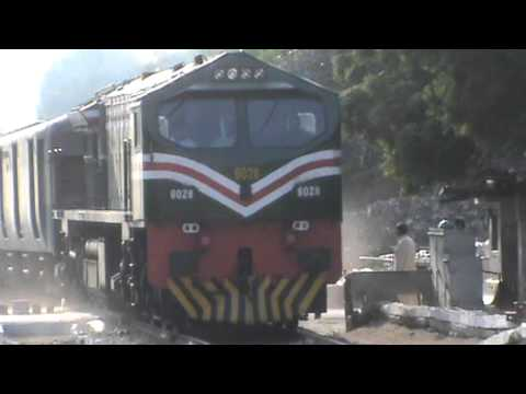 PAK BUSINESS EXPRESS WORKING WITH NEWLY PAINTED 6028 ON 12-11-2013 .