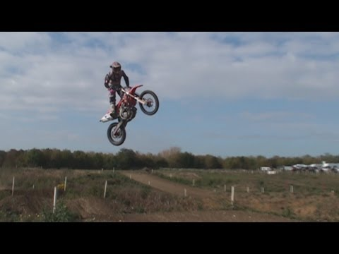 A lap with Neville Bradshaw -Elsworth motoparc