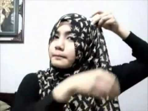 Cara Pakai Shawl Gaya Juliana Evans - YouTube