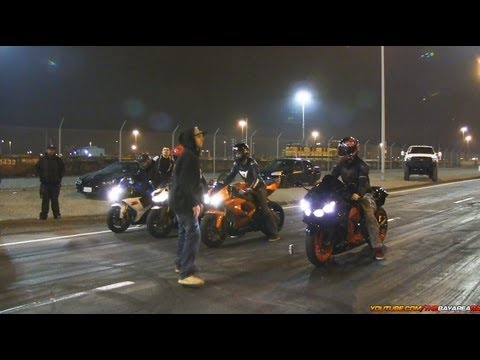 BAR's Bike Night - 30+ Min of Motorcycle Stunts & Racing + Wreck!