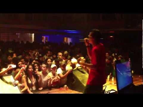 MC LON - BRASILEIRO QUE NUNCA DESISTE  AO VIVO SJC (VILLA MUSIC HALL) DJ KAIQUE