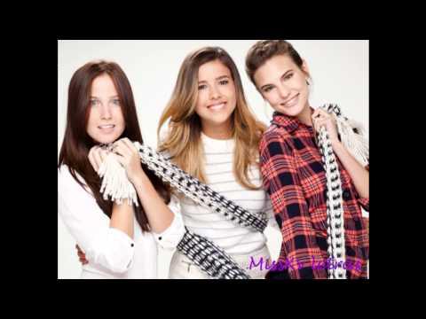 Revista Quien - Sesion de Fotos con las Chicas de Eme 15 Edicion Navideña