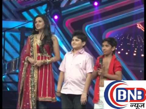madhuri dixit  juhi chawla at gulab gang parmotion boogie woogie part -3