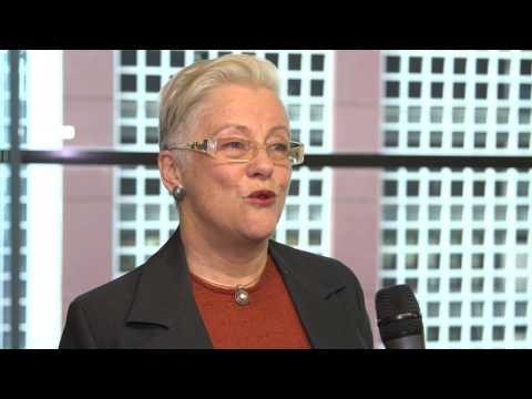 Governance, the board and the CIO - Elizabeth Valentine   CIO Summit 2014