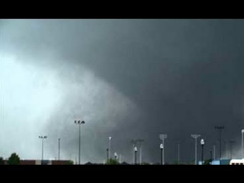 Deadly Oklahoma Tornado Kills Teachers and Students!