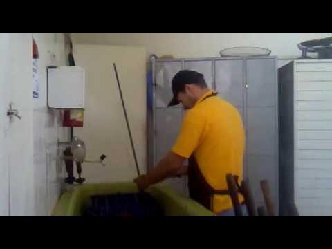 Como espetar frango