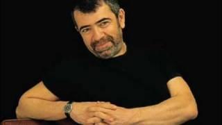 Sel�uk Y�ntem - Sevmek Neymi� Birg�n Anlars�n �iir videosunu izle,�iiri sesli dinle, en g�zel sesli �iirler...