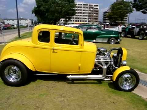 1932 ford 5 window coupe youtube for 1932 5 window ford coupe